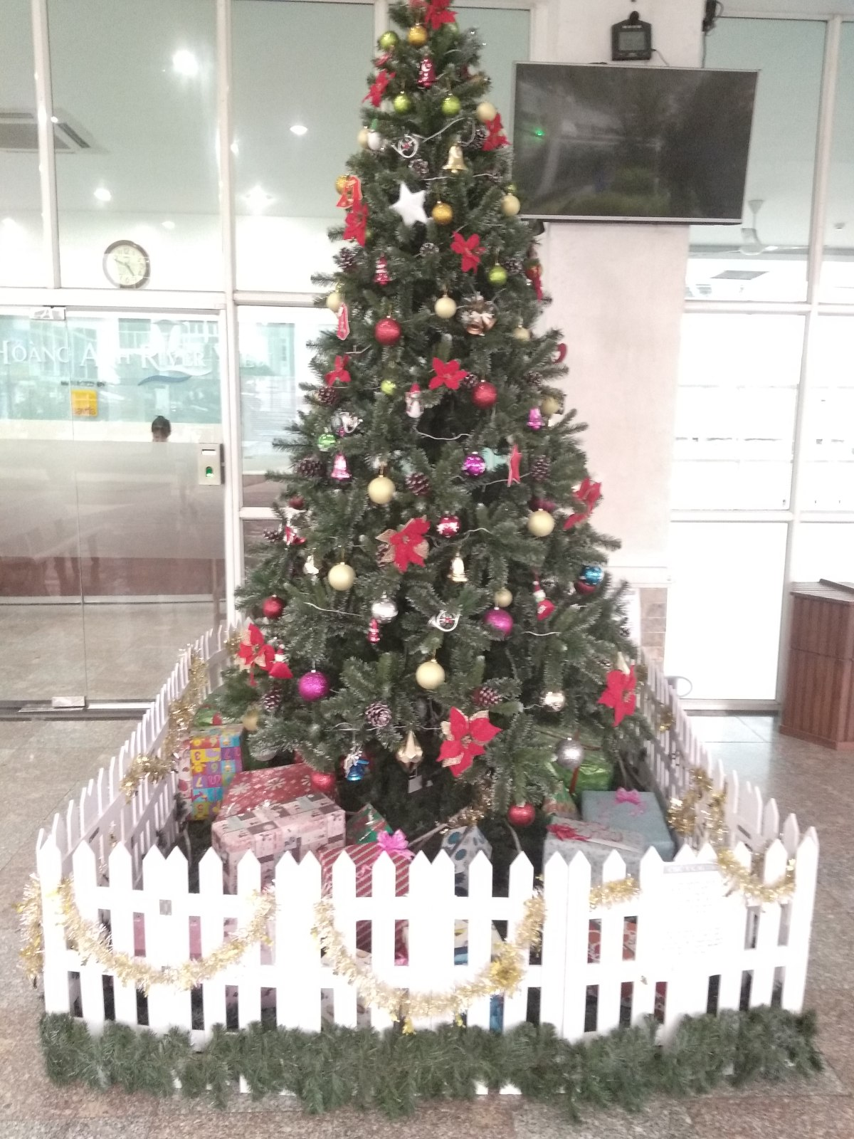 Karácsony a világ végén,egyedül